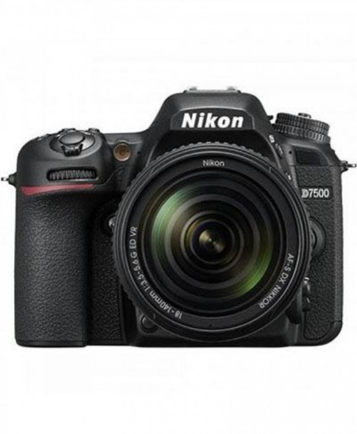 Nikon D7500 DSLR Camera with 18-140mm